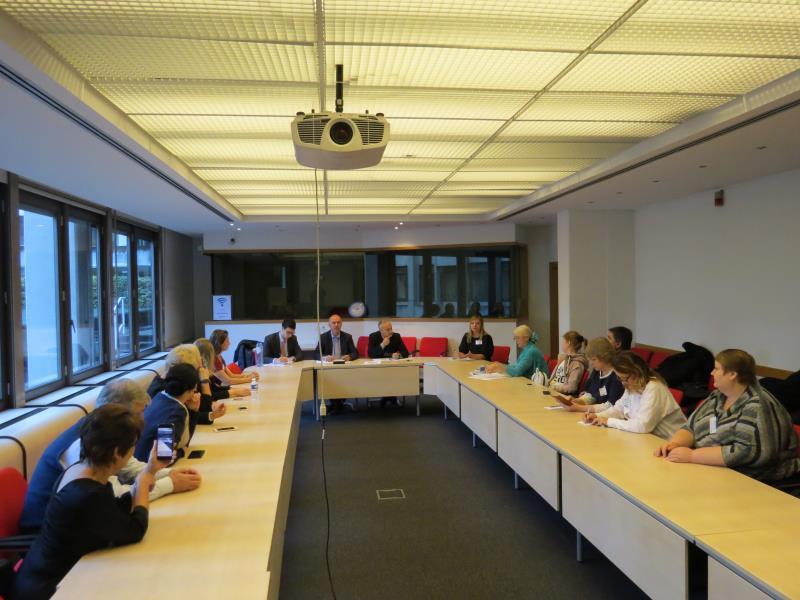 Еврокомиссии 2м